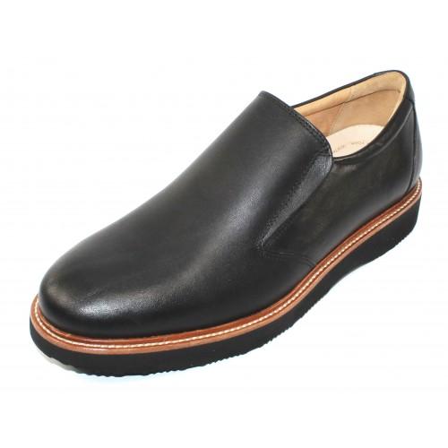 Samuel Hubbard Men's Frequent Traveler In Black Full Grain Leather