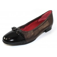 Shaina Gold Women's Alice In Bronze Metallic Leather/Black Patent Leather