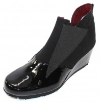 Thierry Rabotin Women's Isidoro In Black Patent Leather/Flannel/Elastic