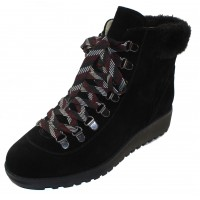 Valdini Women's Sake Waterproof In Black Suede