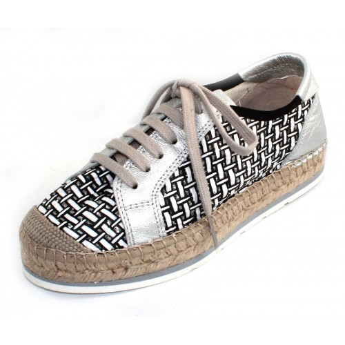 Vidorreta Women's Tenerife 04700 In Black/White Yalinca Embossed Woven Print Fabric/Silver Metallic Leather