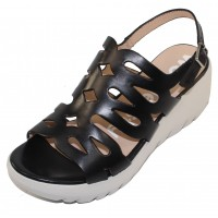 Wonders Women's D-9003 In Negro Black Perg Smooth Leather
